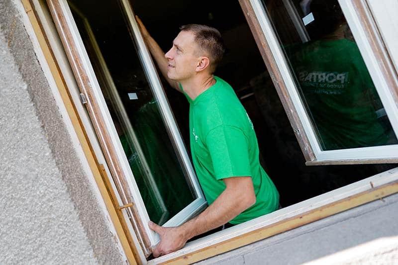 Szigetelt ablak precíz beállítása